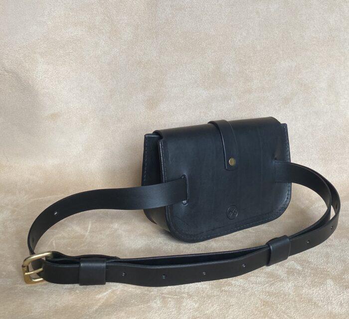 Pkirkwood Sml Belt Bag Blk No.3 Side Satnding
